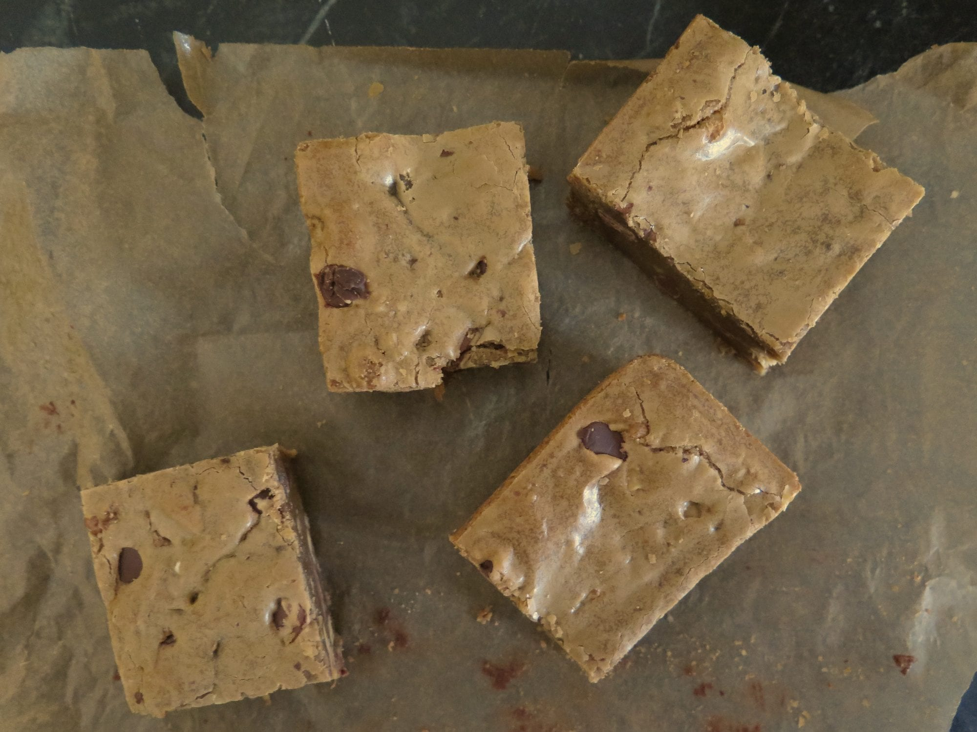 blondies (of the ooey-gooey crackly-topped ariety)