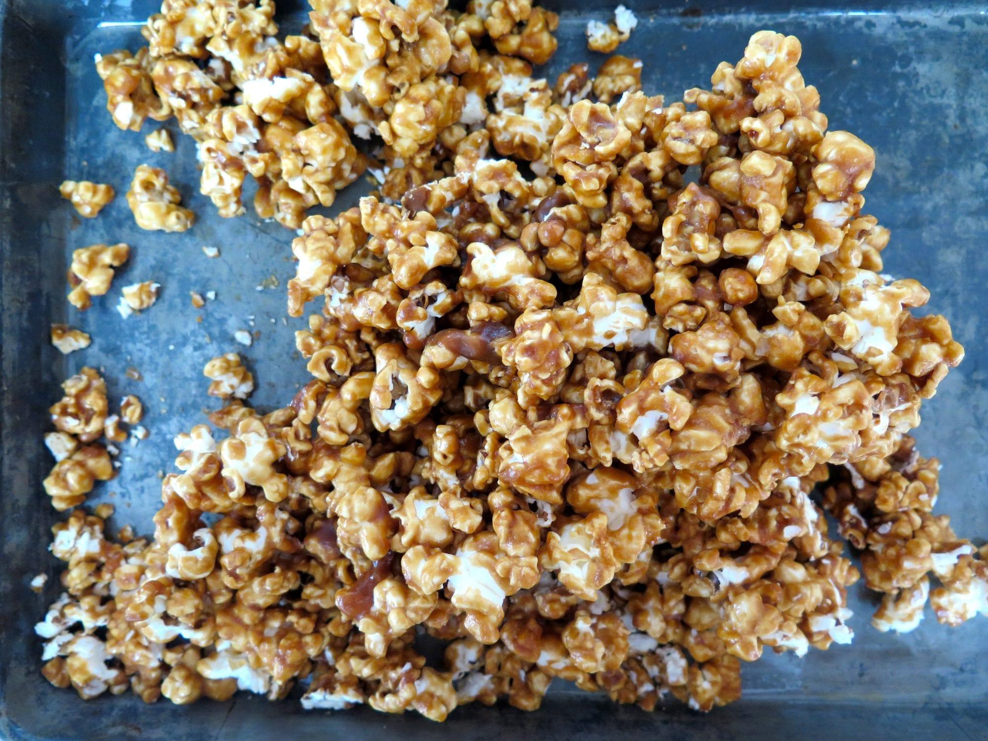 caramel popcorn (candy)