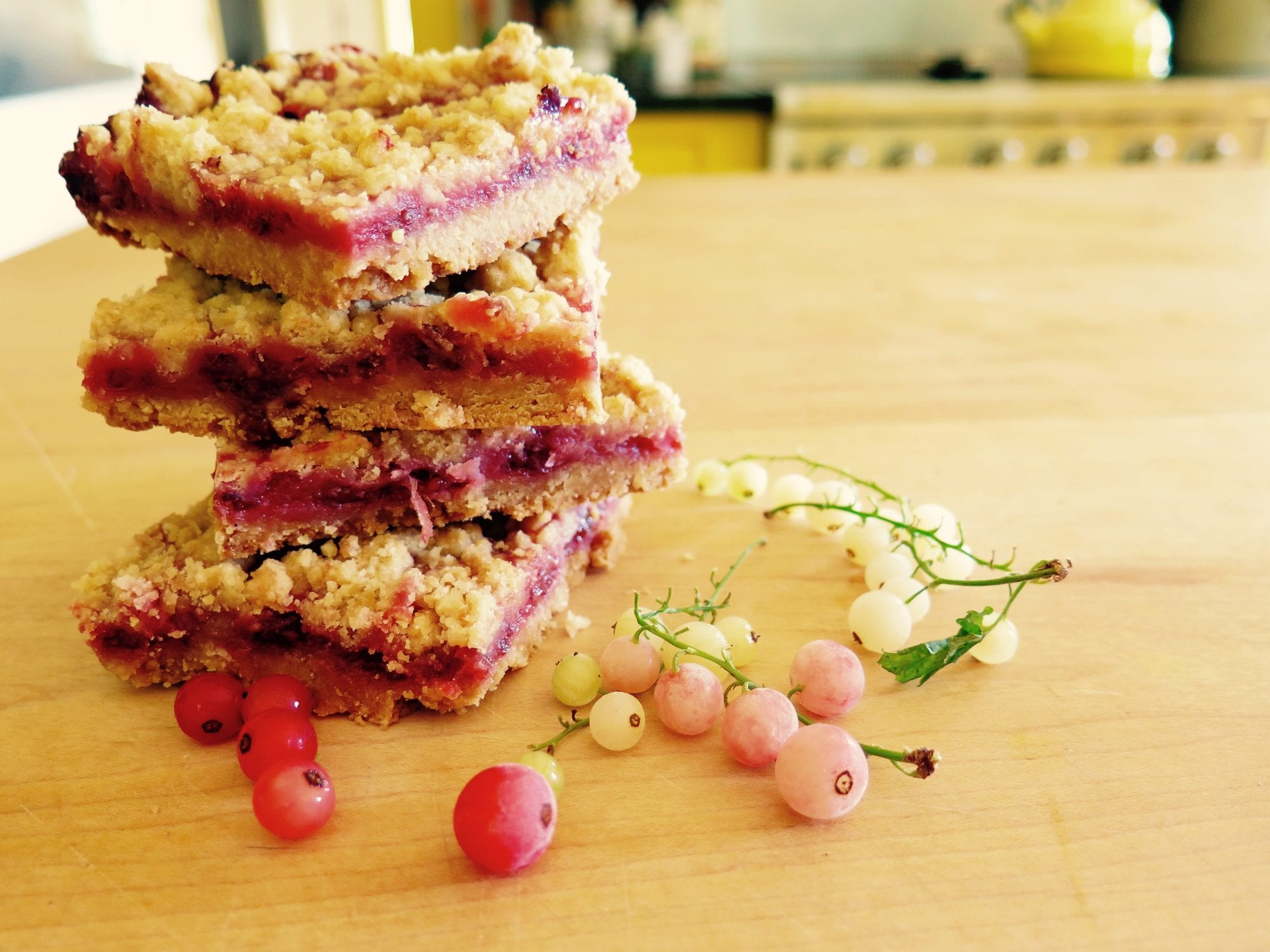 currant-filled crumb-topped shortbread bars