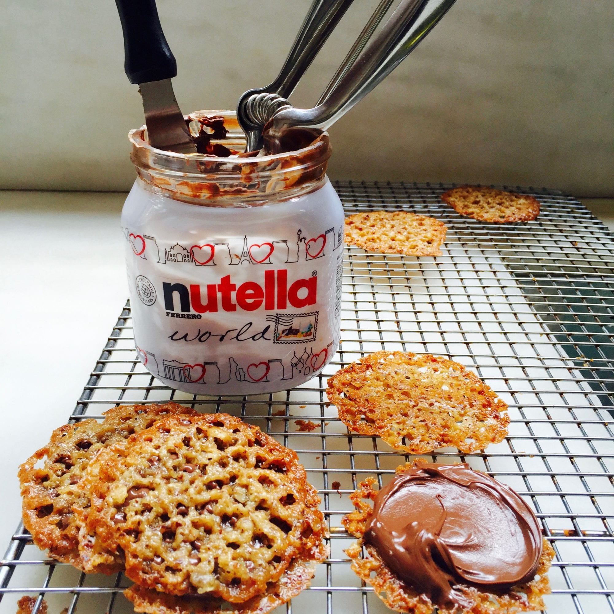 nutella filled sandwich cookies