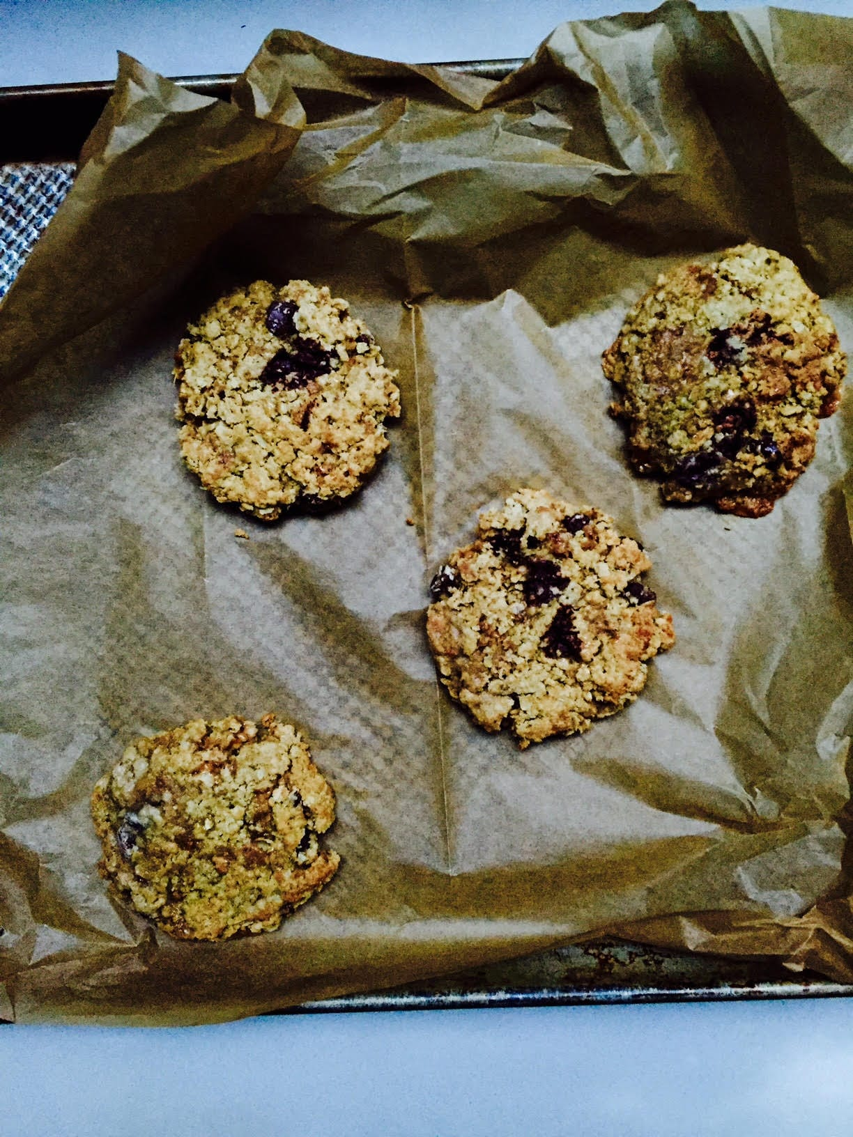 toffee and chocolate oatmeal cookies